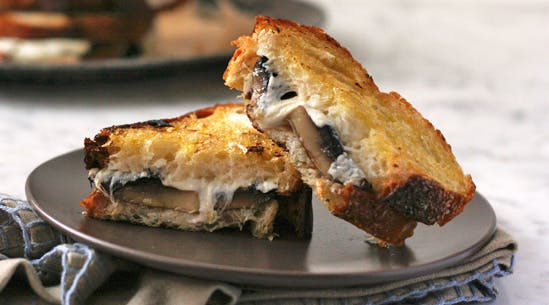Cheesy Roasted Mushroom Melts
