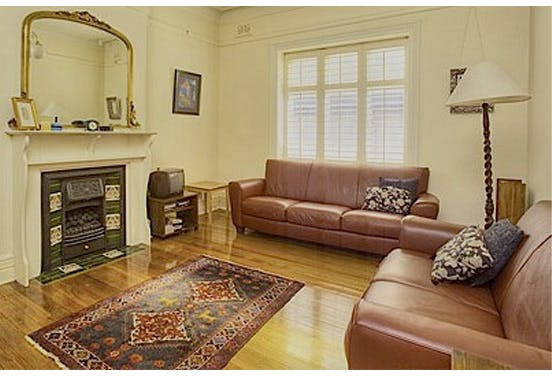 Common Rug Size For Living Room: The Eight Most Common Living-Room Mistakes