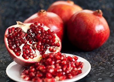 3 Ways to Eat Pomegranates