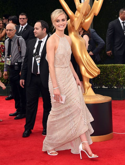 nudist pump taylor schilling