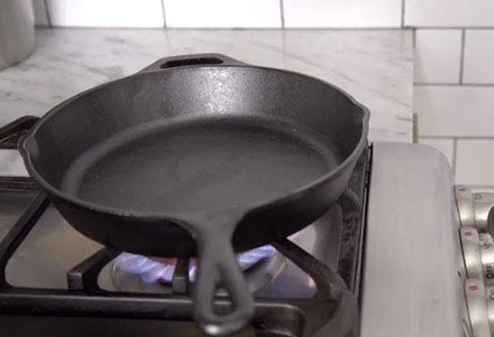 How To Clean Cast Iron Pan