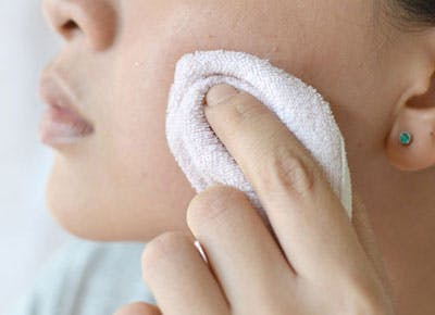 3 Common Face Washing Mistakes