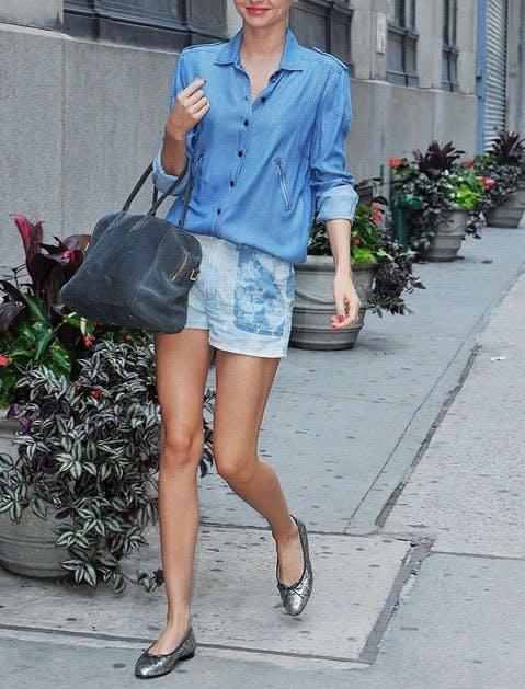 chambray shorts street style