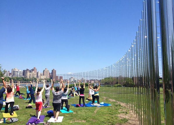 outdoor yoga socrates sculpture park