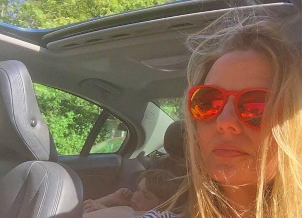 Insta Selfie 597x430
