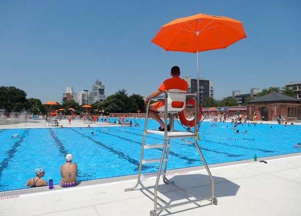 nyc pools public