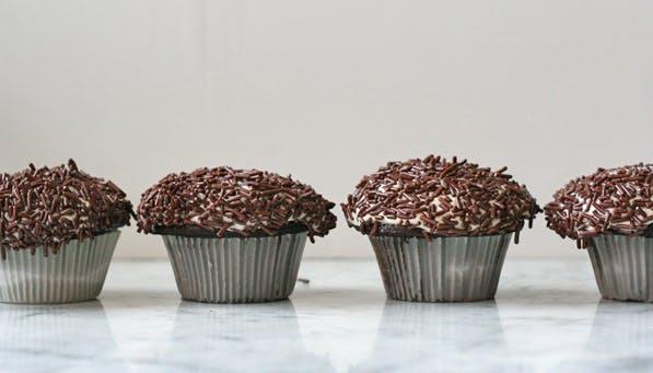 purewow chocolate cupcakes