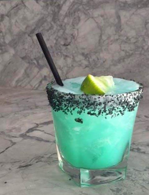 Margaritas Maradentro 479x629