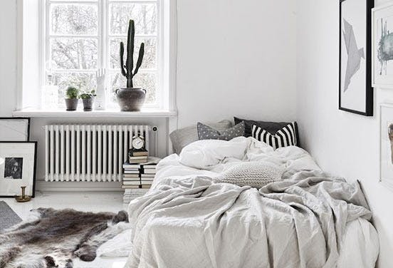 UnmadeBed1