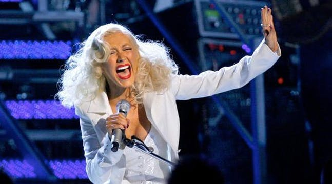 You Can Take Singing Lessons from Christina Aguilera for $90