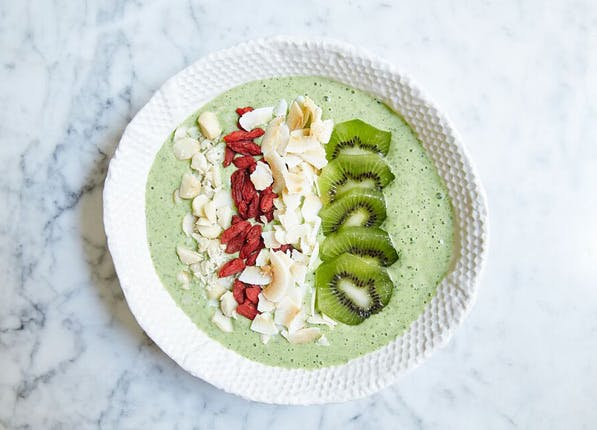 smoothie bowl green