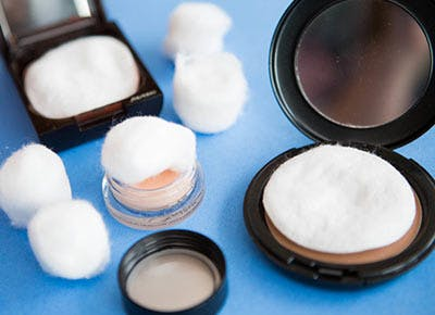 How to Shatter-Proof Your Makeup Compact Before Traveling