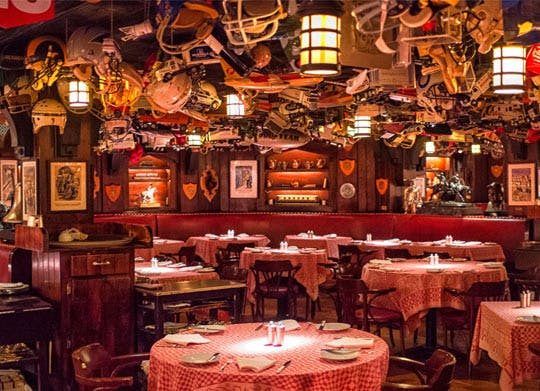 13 Legendary NYC Restaurants to Put on Your Bucket List