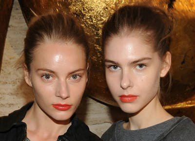 The Surprising Way to Make Your Face Less Shiny