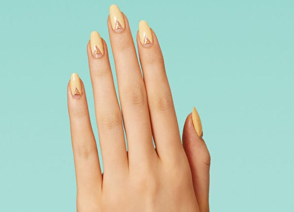 Nails Yellowtriangle 597x430
