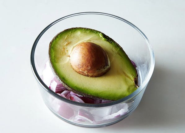 3 Ways to Keep an Avocado Fresh and Prevent it From Turning Brown