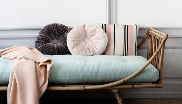 cushions horizontal