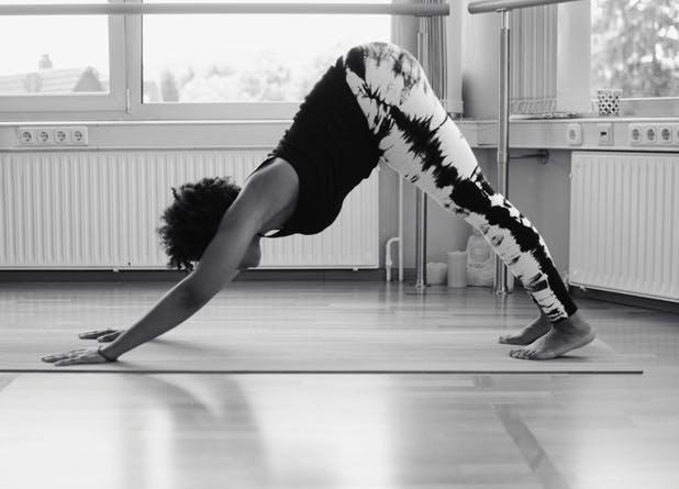debloat yoga