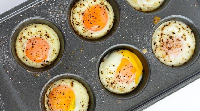 How to Poach a Dozen Eggs at the Same Time