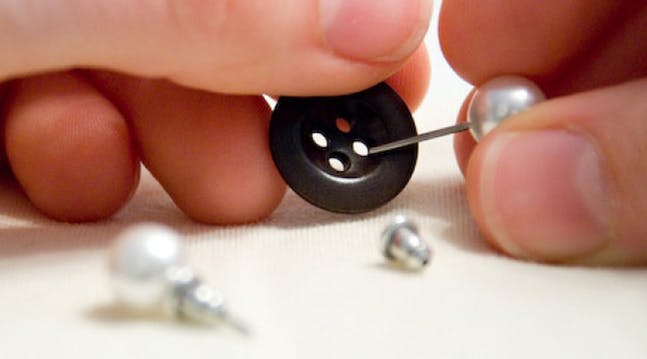 Brilliant Idea Alert: Store Your Earrings in a Button