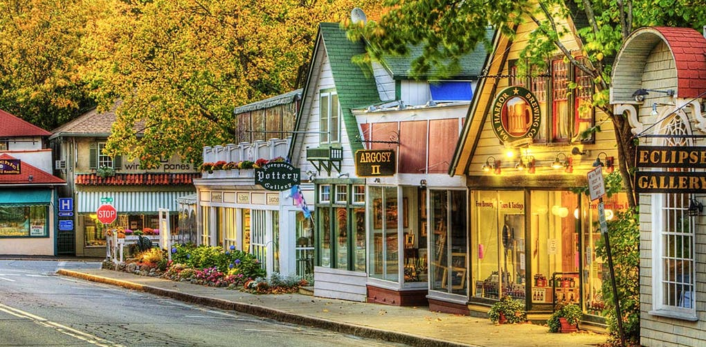 Friendliest Towns in America | Best Small Towns - PureWow