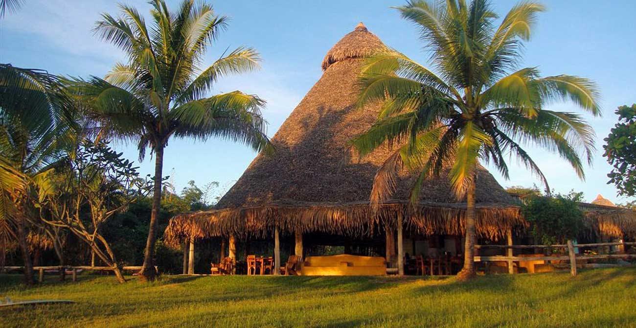 Beach HotelPlayaNegra 1300x670