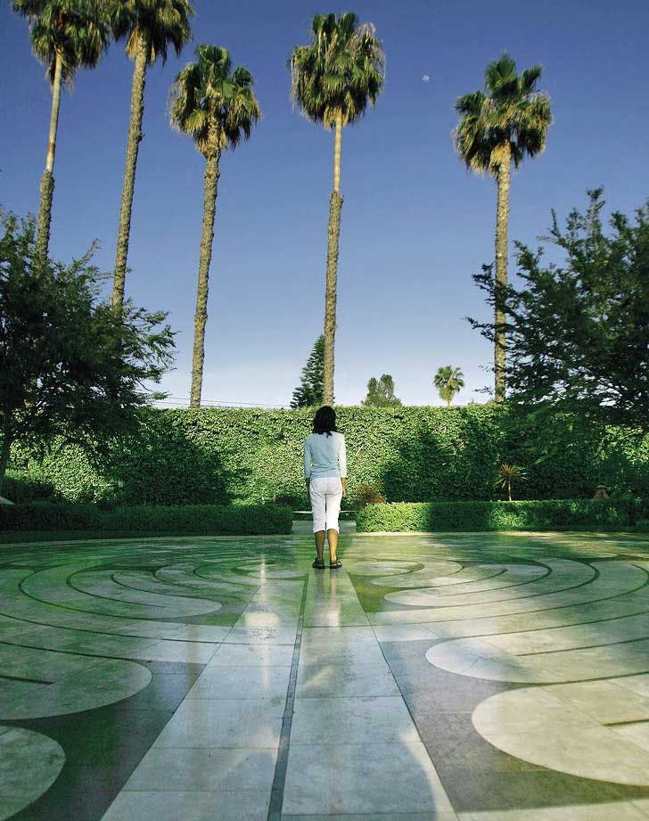 Labyrinth 728x921