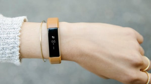 Oh, Cool: Your Fitbit Now Tells You the Best Time to Go to Sleep