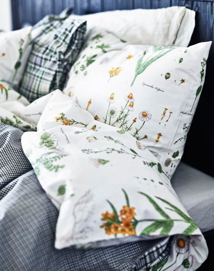 21 bedroom essentials to decorate your room with purewow for Ikea bedding duvet