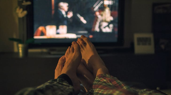 Science Confirms: Binge-Watching Netflix Is Good for Your Relationship