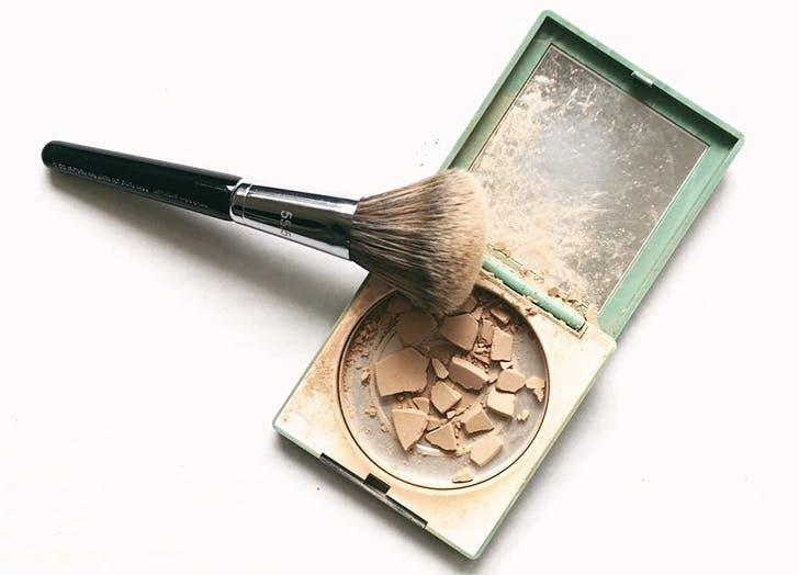 NY makeupbag list1