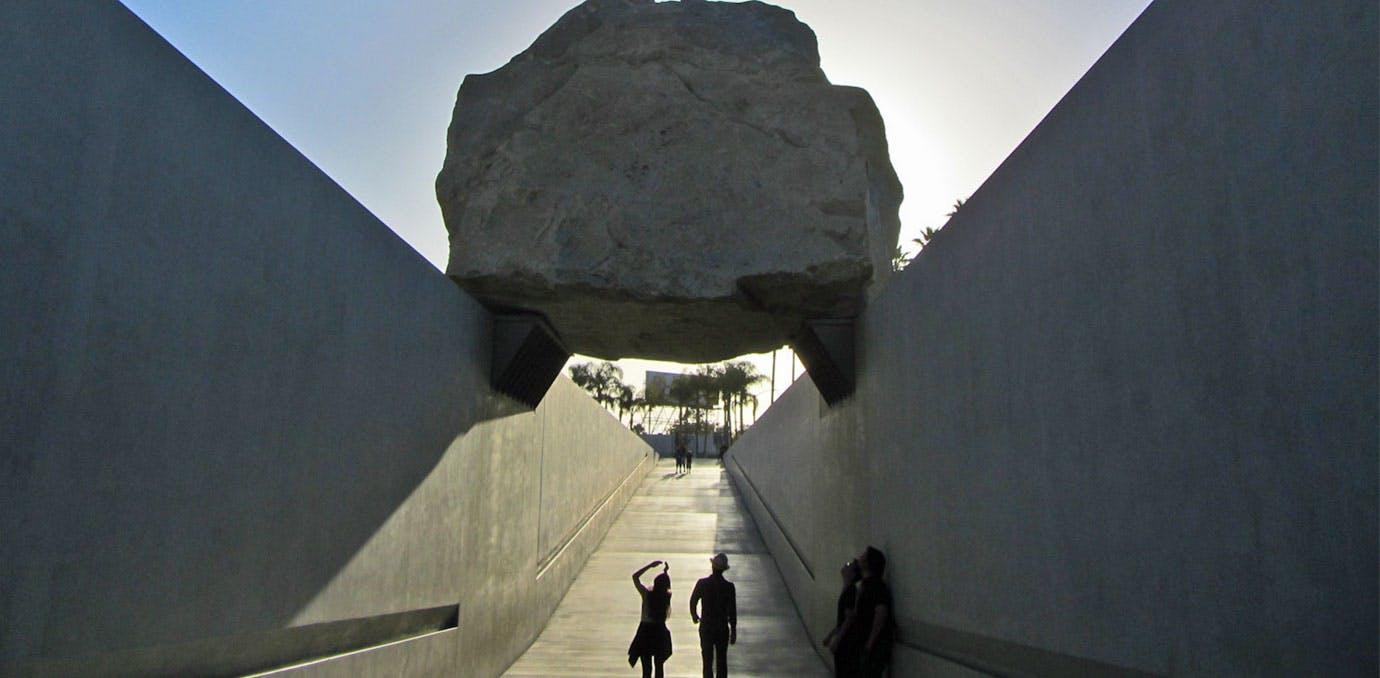 Tourist Rock 1380x678