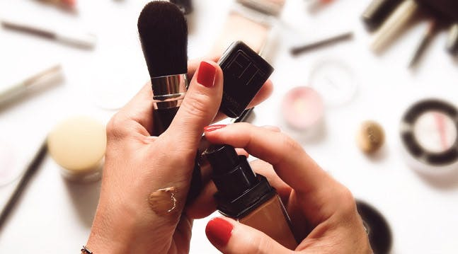 The Definitive Best Way to Conceal Large Pores