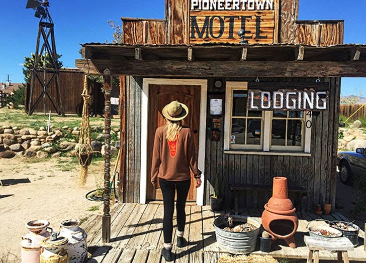 Desert Pioneertown 728x524