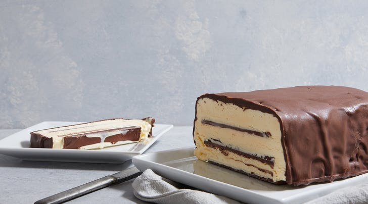 Kit Kat Bar Ice-Cream Cake