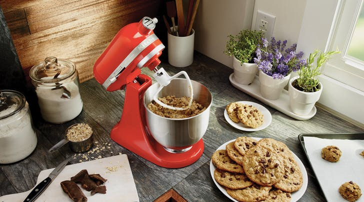 You Can Now Save $100 on a KitchenAid Mixer