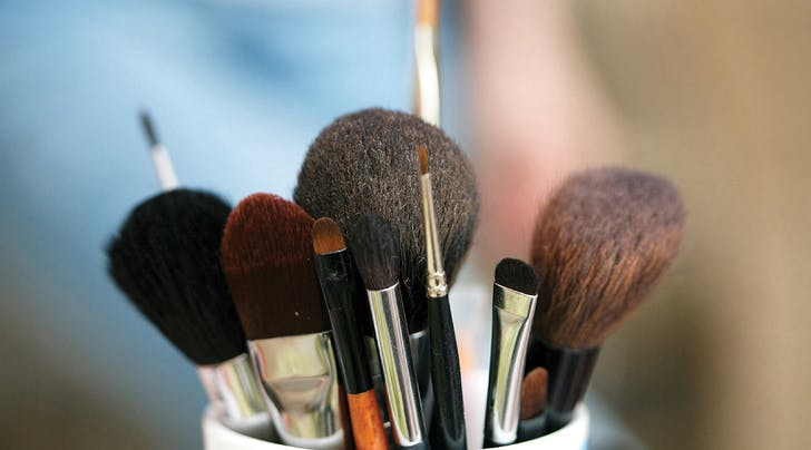 Why You Should Apply Your Moisturizer with a Makeup Brush
