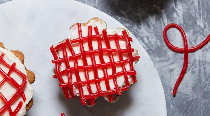 Twizzler Pull n Peel Lattice Cupcakes