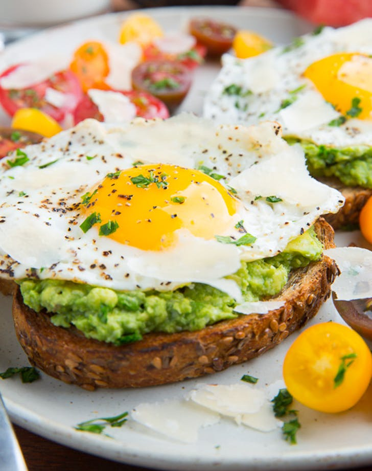 easy dinner ideas, cheap meal ideas, cheap dinner recipes, avocado egg toast recipe