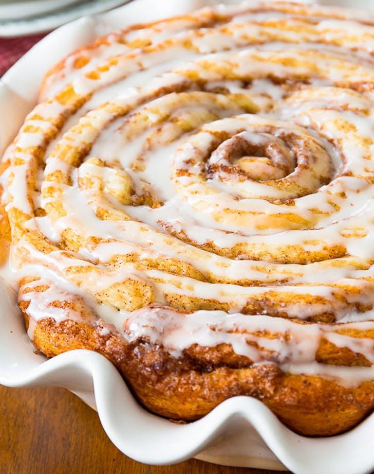cake cinnamonroll