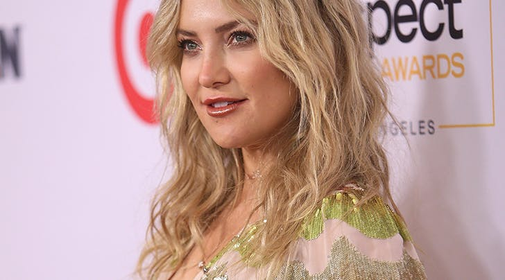How to Curl Your Hair in the Most Natural-Looking Way