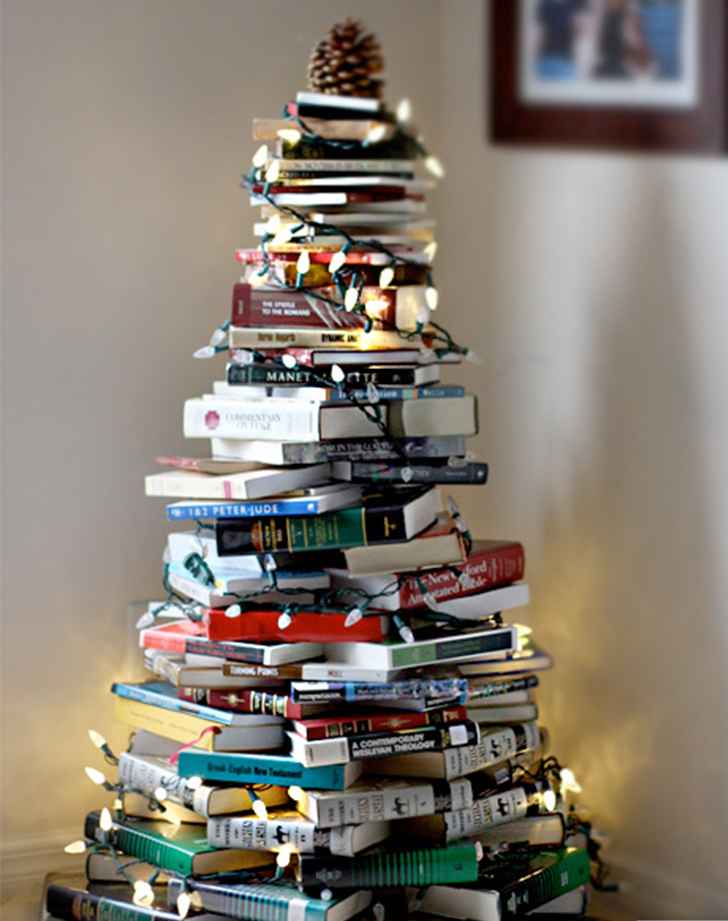 How to Make a Christmas Tree with Books - PureWow