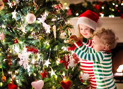 7 easy ways to childproof a christmas tree and still keep it stylish - Child Proof Christmas Tree Decorations