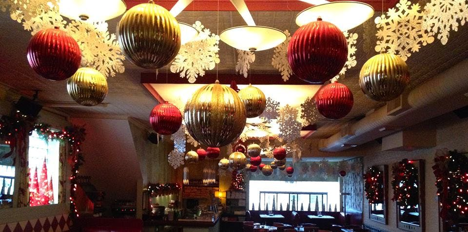 club lucky chicago holiday activities