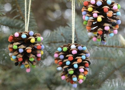 pretty christmas decor and ornaments you can make yourself - Christmas Decorations To Make Yourself