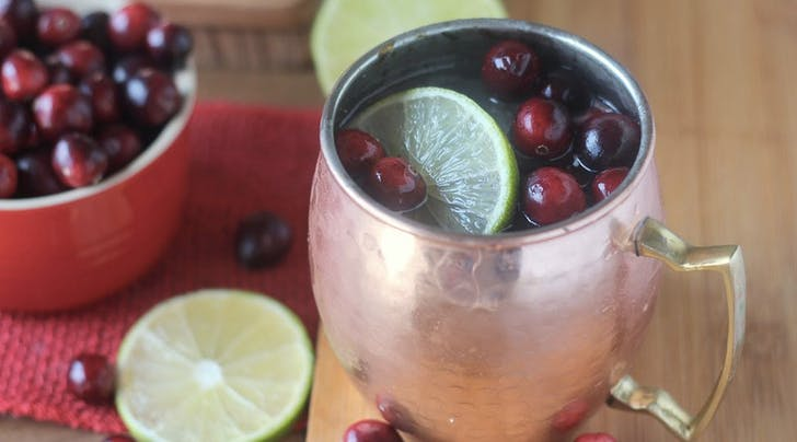 This Cranberry Moscow Mule Recipe Is the Best Thing to Happen to Winter