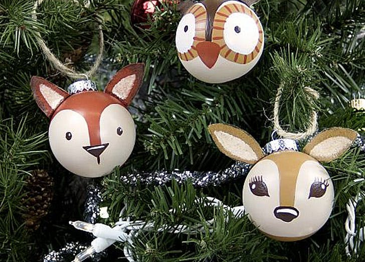 Diy christmas decorations and ornaments to make purewow woodland ornaments solutioingenieria Gallery