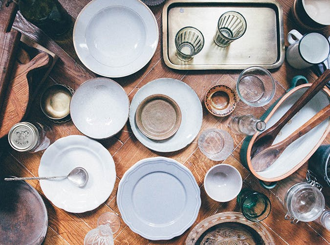 10 Kitchen Items You Should Throw Away Right Now