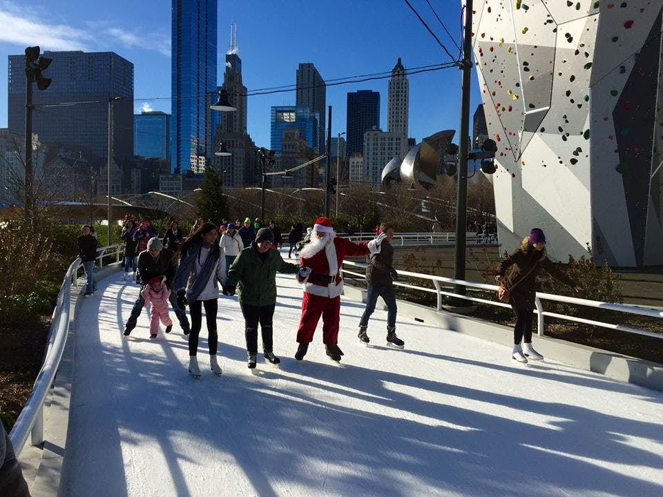 maggie daley skating ribbon  chicago holiday activities