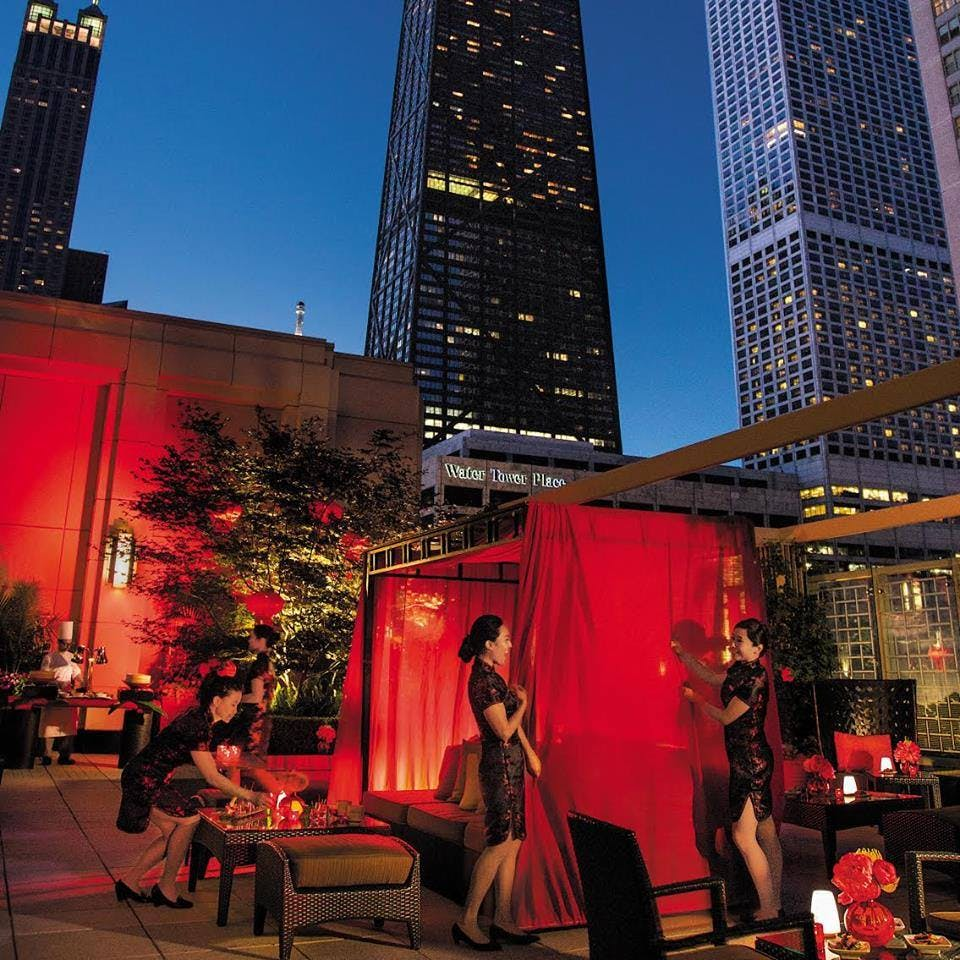 The Best Restaurants Near Chicago S Magnificent Mile Purewow